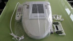 Nắp rửa bàn cầu điện tử tự động Royal&co Toto RB1530