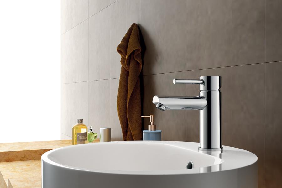 Sử dụng vòi lavabo có thiết kế phù hợp làm tôn lên vẻ đẹp của phòng tắm