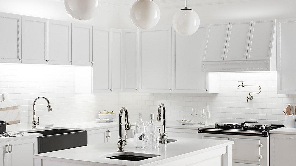 Kiểu dáng vòi rửa bát tạo điểm nhấn cho không gian phòng bếp nhà bạn.